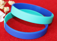 China Light Weight Custom Silicone Rubber Wristbands Multi Colors Segmented factory