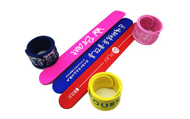 China Light Weight Silicone Slap Wristband Silk Screen Logo Processing Magnetic Clap Bands distributor